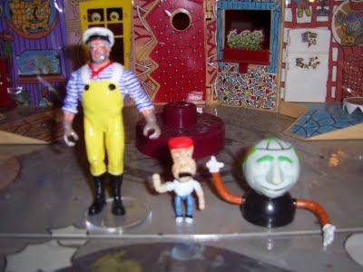 Captain Carl, Randy, Globey