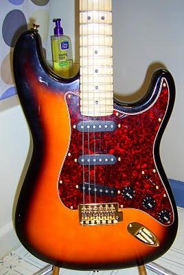 Scalloped Sunburst (Fender)
